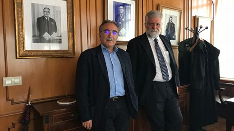 """Manuel Castells y Jesús González-Puelles: """"Volver a la territorialidad es una opción"""""""