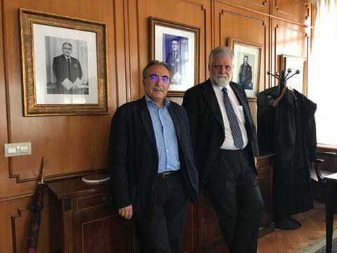 """Manuel Castells e Jesús González-Puelles: """"Volver á territorialidade é unha opción"""""""